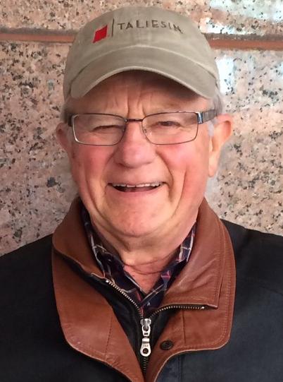 Verne Holoubek